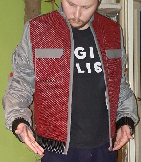 A jaqueta de Marty McFly do usuário bjoernson (The RPF)